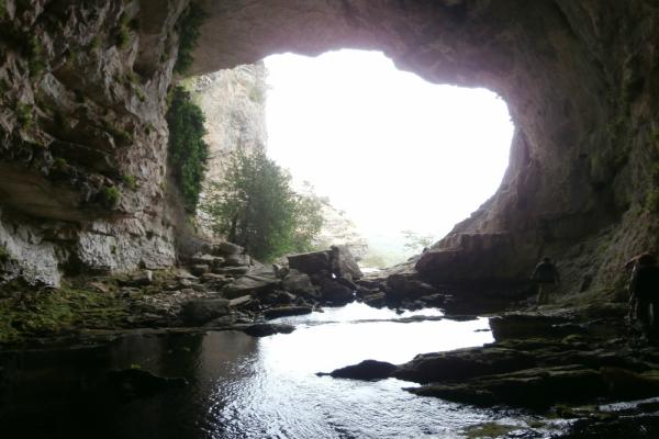 Aventura Subida a la Cueva de los Chorros Río Mundo | Aventuras con Botas